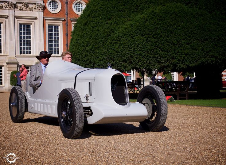 37 vind-ik-leuks, 1 reacties - Take to the Road (@taketotheroaduk) op Instagram: 'The awesome Alfa Romeo 6C 1750 Testa Fissa. This raced at Brooklands in the 1930s.  #alfaromeo…'