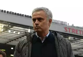The board of Manchester United has given manager Jose Mourinho conditions for buying new players by January.  The former Chelsea boss has been told he has to sell before he can bring in new players as the clubs board looks to cut costs.  The Portuguese has already splashed a whopping 285million on transfer fees during his two year stint at the club with six major signings arriving.  Paul Pogba Henrikh Mkhitaryan Romelu Lukaku Victor Lindelof Nemanja Matic and Eric Bailly with Zlatan…