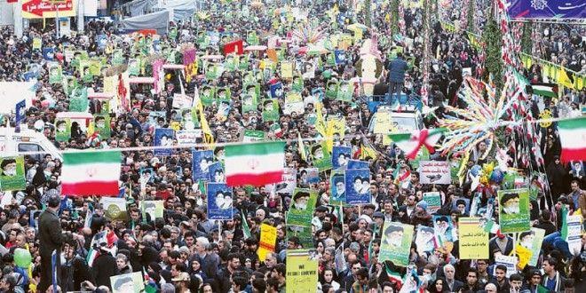 """Pengaruh Revolusi Islam Iran Terhadap Upaya Penegakan Syariat di Dunia Islam  """"Pemantiknya adalah keberhasilan Revolusi Islam Iran tahun 1979. Ketika dunia terserap dalam wacana politik yang sifatnya sekuler, Iran justru muncul dengan sebuah revolusi yang berideologi agama."""" Dr. Ali Munhanif, Ketua  Pusat Pengkajian Islam dan Masyarakat (PPIM) UIN Syarif Hidayatullah Jakarta http://bit.ly/1PyVXnM"""
