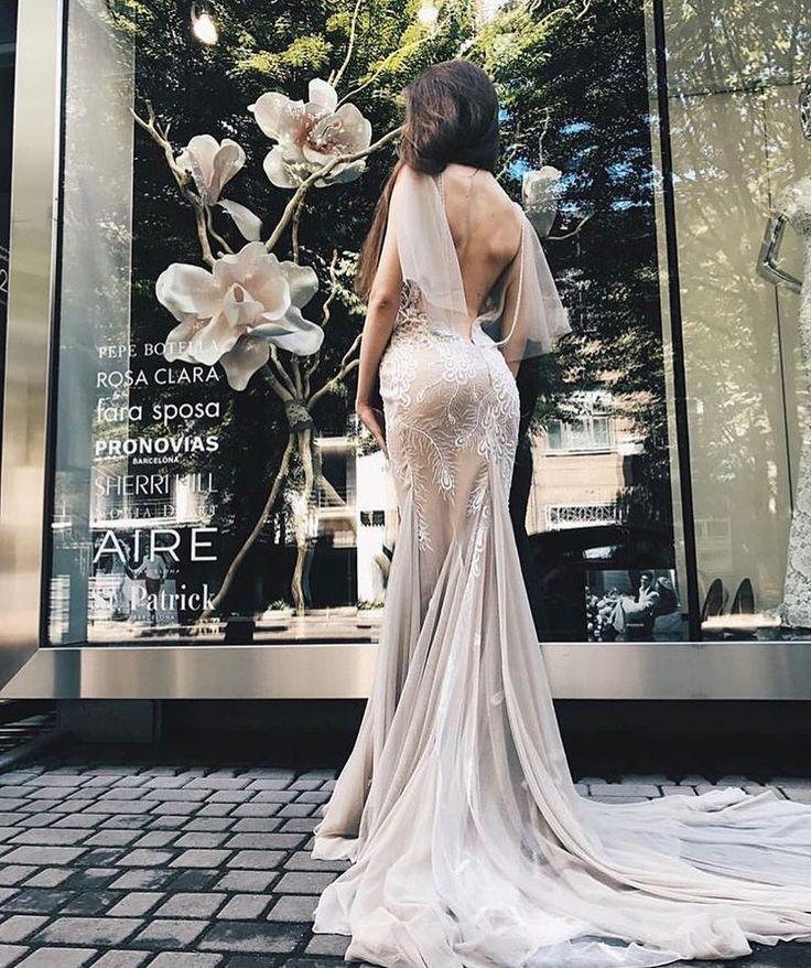 Flowers💍🌸 #repost @muse_boudoir  #weddingday #dreamdress #amazingdress #awesome #girls #love #happy #fashion #pretty #weddinglook #weddingdress #weddingseason #weddingday #weddingstyle #bestphotographers #bestphotos #bestphoto #amazing #amazingdestinations #beautiful #photo #photography #photooftheday #picoftheday #photosession #wedgo #wedgonet #beauty #bride