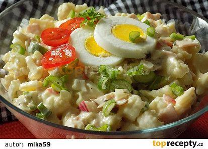 Květákový salát se šunkou recept - TopRecepty.cz