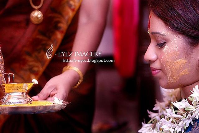 Photography by Visithra - v-eyez.blogspot.com - V-Eyez Imagery on Facebook www.facebook.com/... #wedding #weddings #engagement #indian #kuala lumpur #international #malaysia #photography #visithra #v-eyez imagery