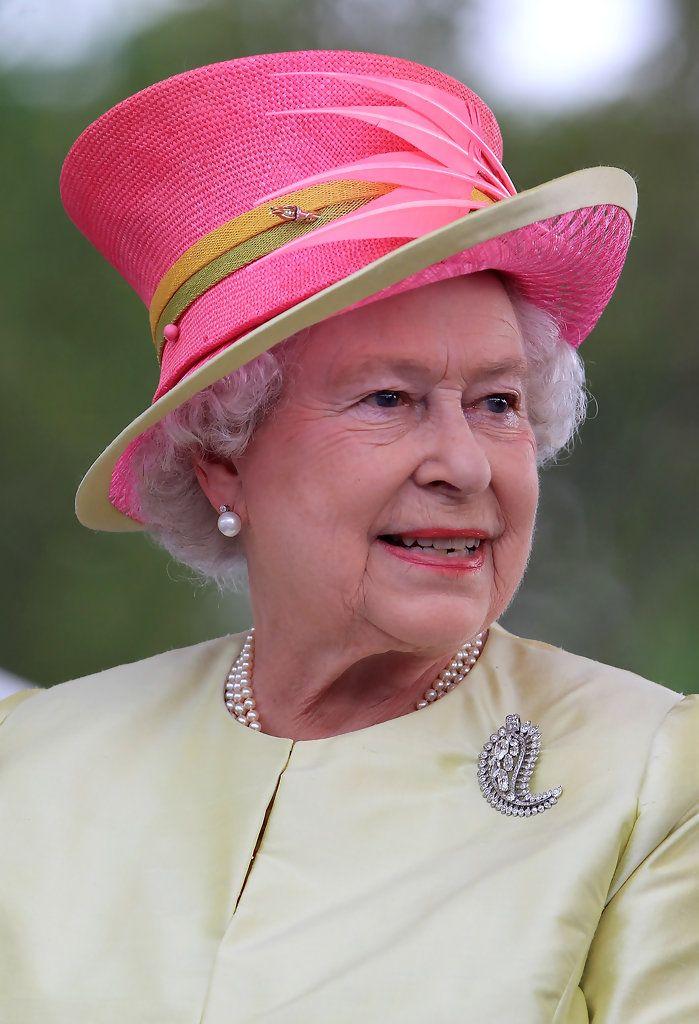 Queen Elizabeth Ii Photostream In 2021 Queen Hat Queen Elizabeth Her Majesty The Queen