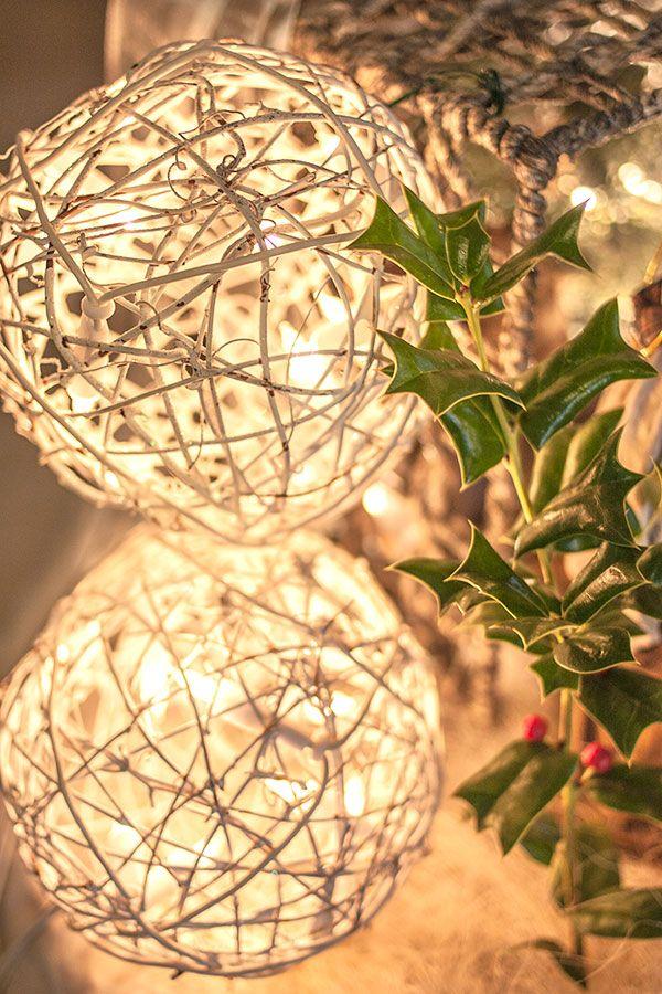 Luces y acebo... decoración y emoción Mon Les belles maisons - Feliz Navidad