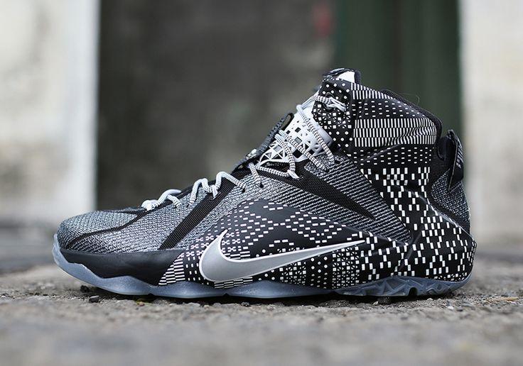 Nike Lebron 12 BHM http://www.basket4ballers.com/baskets-lebron-james/5412-chaussures-basket-homme-nike-lebron-12-bhm-noir-718825-001.html