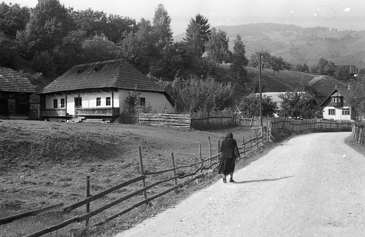 Falusi életkép, 1970  orig: PIARISTA LEVÉLTÁR/HOLL BÉLA
