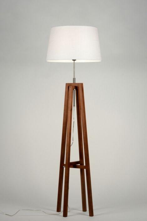 1000 id es sur le th me lampadaire salon sur pinterest. Black Bedroom Furniture Sets. Home Design Ideas