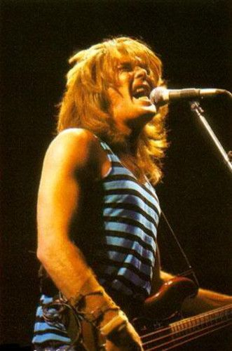Cliff Williams : Un dia como hoy nacia Cliff Williams  FELIZ CUMPLEAÑOS | nick_of_time