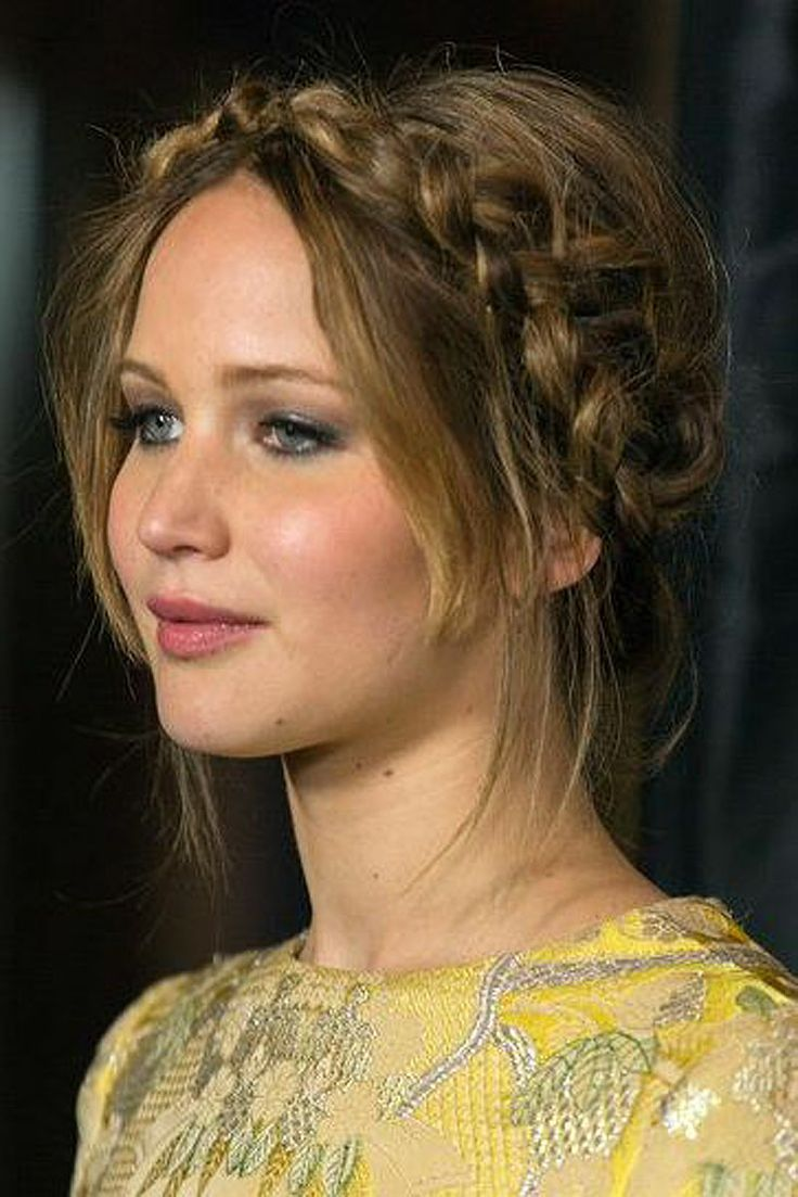 Jennifer Lawrence_Boho up do