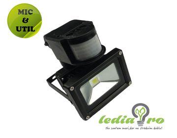 Proiector cu LED  10W si senzor de prezenta , de  exterior,  IP65 10W ALB RECE