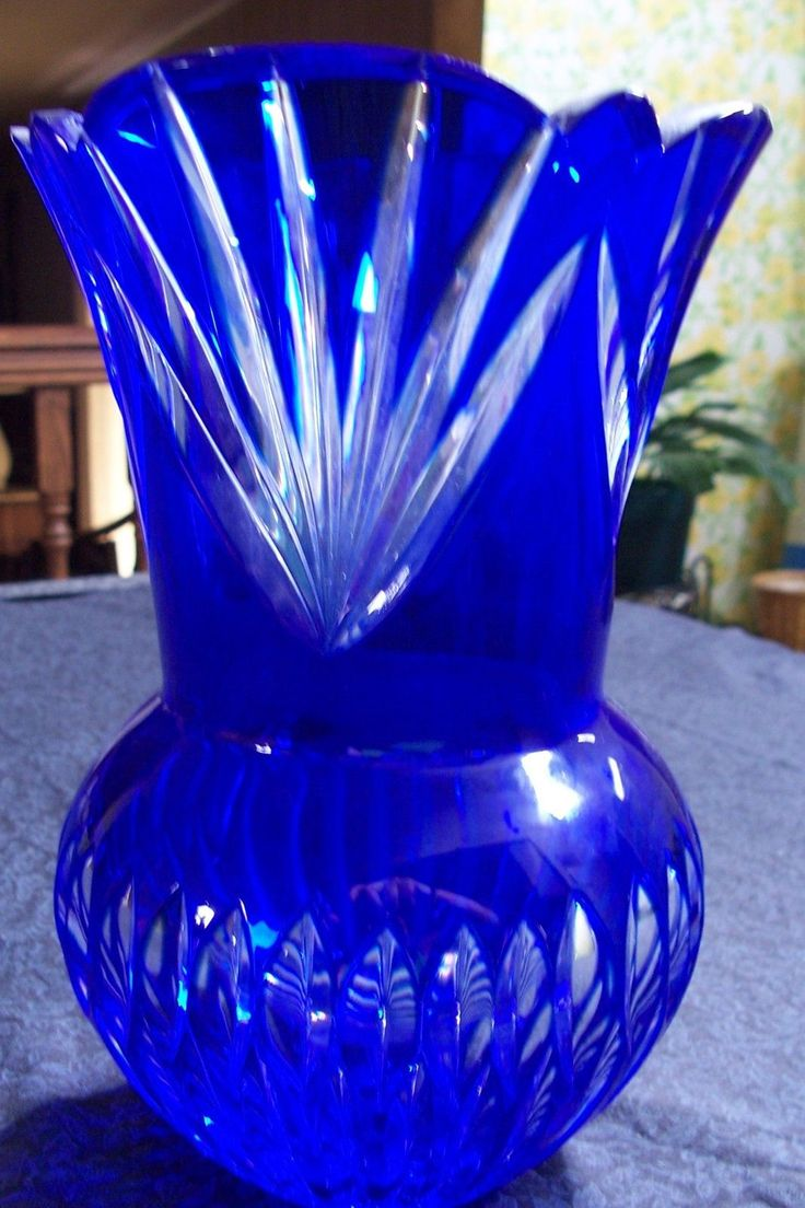 Beautiful Cobalt Blue Vase Will Look Great Anywhere It S A Great Accent Piece Tablescapes