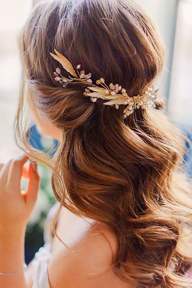 24 Timeless Wedding Hairstyles For Medium Length Hair ❤️ See more: http://www.weddingforward.com/wedding-hairstyles-medium-hair/ #weddings #hairstyles