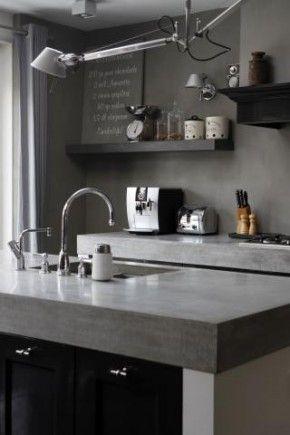 Betonnen aanrechtblad in een stoere keuken.  www.molitli.nl  www.betonlookdesign.nl