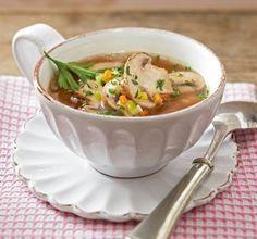 Das Rezept für Klare Pilz-Gemüse-Suppe und weitere kostenlose Rezepte auf LECKER.de