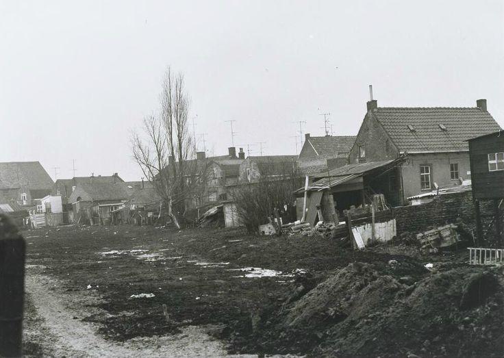 De demping van de haven gezien vanaf de Zuidhaven richting het westelijk gedeelte van de Noordhaven, het zogenaamde Fabrieksend