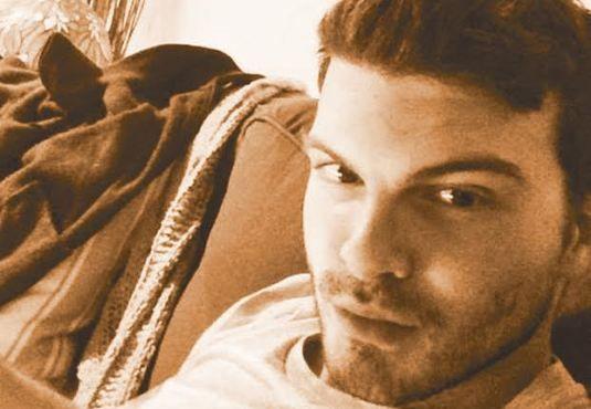 Ο #Γιάννης_Δημάς στο εργαστήρι του συγγραφέα http://fractalart.gr/giannis-dimas/