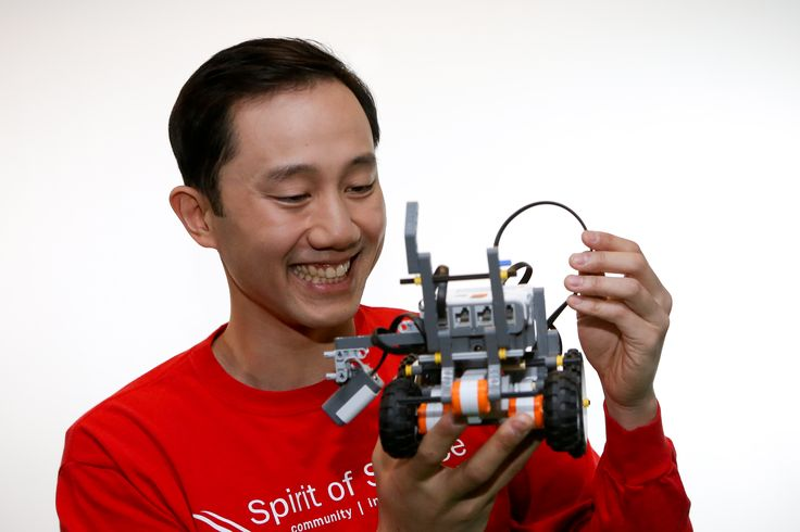 David Fang coaches a FIRST LEGO League team #boozallen #volunteer #usfirst #firstrobotics