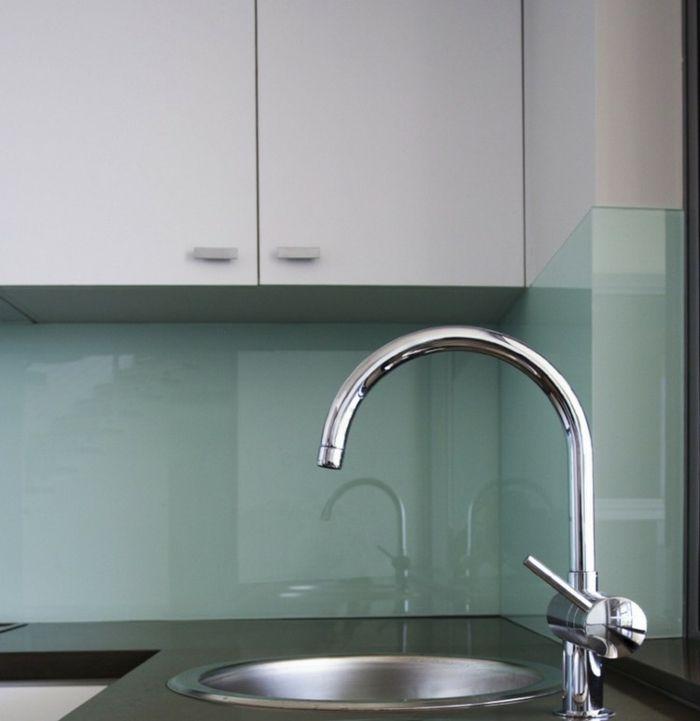 Die besten 25+ Küchenrückwand aus glas Ideen auf Pinterest - kuchenwandgestaltung ideen fliesen glas