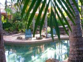QLD - North Queensland * Beach lifestyle with income from self contained apartments * of Queensland, Townsville and North Qld