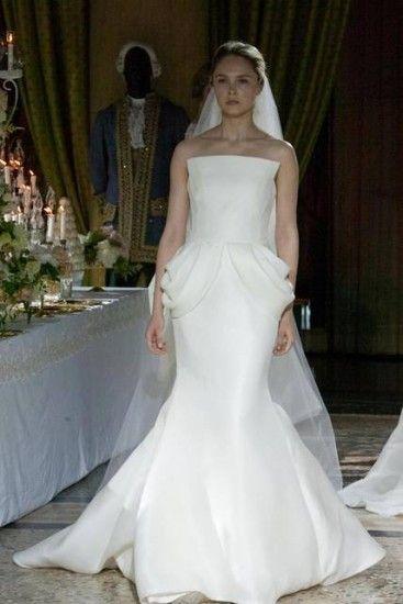 Abiti da sposa Enzo Miccio: eleganza e sobrietà dal gusto retrò  abiti da sposa Enzo Miccio abito peplo
