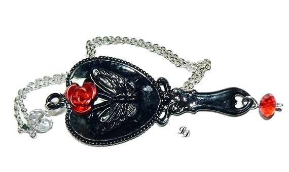 Necklace++The+evil+stepmothers+mirror++in+gothic+by+LissieDesign,+$27.50