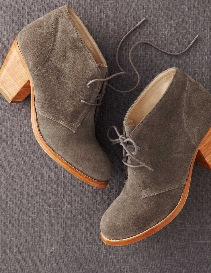 Effortless Suede Boots. I wish I knew how to pull something like this off.