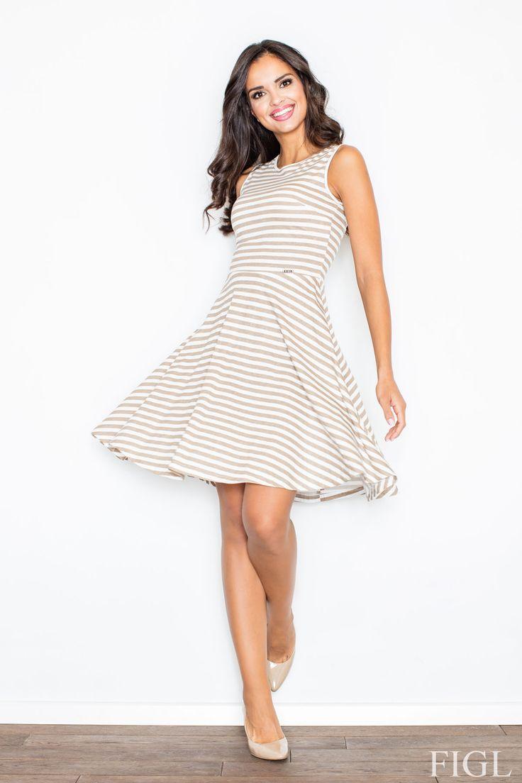 Letnia sukienka wykonana z delikatnej bawełny. Model w marynarskie pasy na szerokich ramiączkach. Góra dopasowana, dół sukienki rozkloszowany. Model zapinany z tyłu na kryty zamek.  #modadamska #moda #sukienkikoktajlowe #sukienkiletnie #sukienka #suknia #sukienkiwieczorowe #sukienkinawesele #allettante.pl