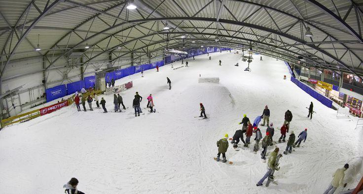 De Uithof l Indoor Skiing l Den Haag l The Hague l Dutch l The Netherlands
