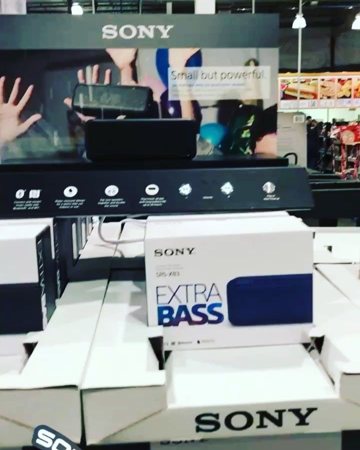 Sound on!! The #sound on these @sony #bluetooth #portable #speakers are really good! And great song too! Great #Christmas #present #giftideas  right now $15 off now only $74.99 #deal ends 12/24 #costcodeals #costco #music #audio #Sony