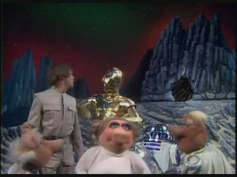 Pigs in Space: The Muppets meet Luke Skywalker, C-3PO, and R2D2 in an old school clip from The Muppet Show