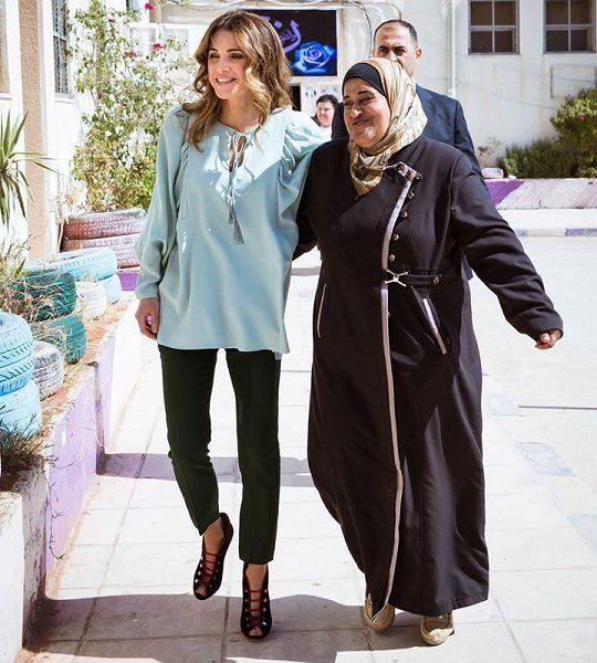 Queen Rania of Jordan visited the Children's Mobile Museum in Jerash