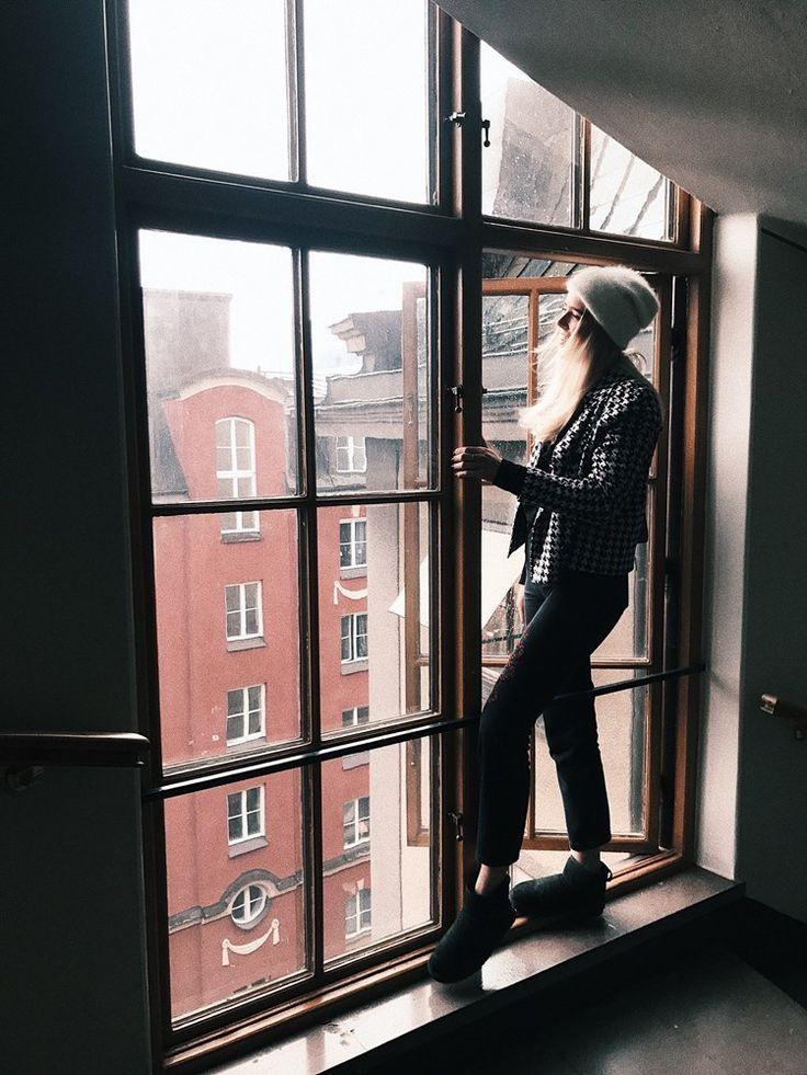 Hej och välkomna till mig! Jag heter Louise Jorge och är 17 år och bor i Stockholm. Jag kommer dela med mig av allt men framför allt mode och fotografi eftersom det är mina två största intressen. I hope u stay & like it!!
