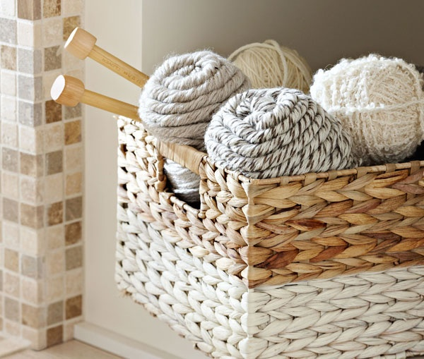 Perfect Give An Ordinary Woven Basket A Facelift With Spray Paint. Itu0027s An Easy  Project That Awesome Ideas