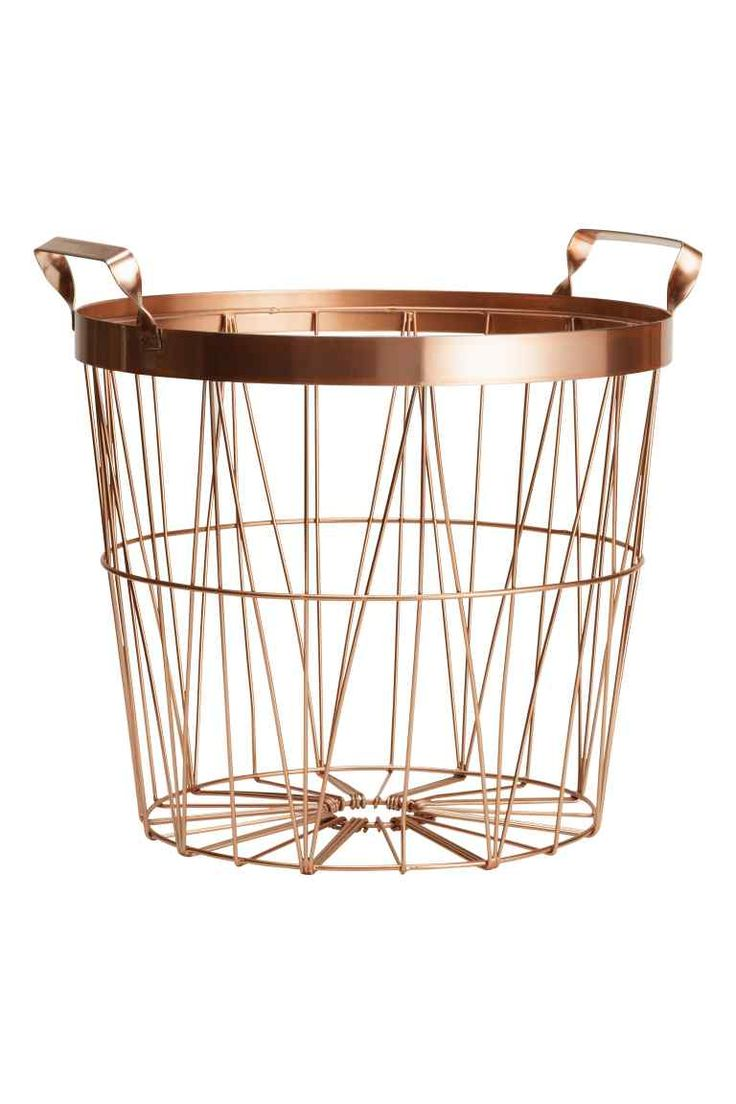 Metal basket: Metal wire basket with handles at the top. Height 24 cm, diameter at the top 28 cm.