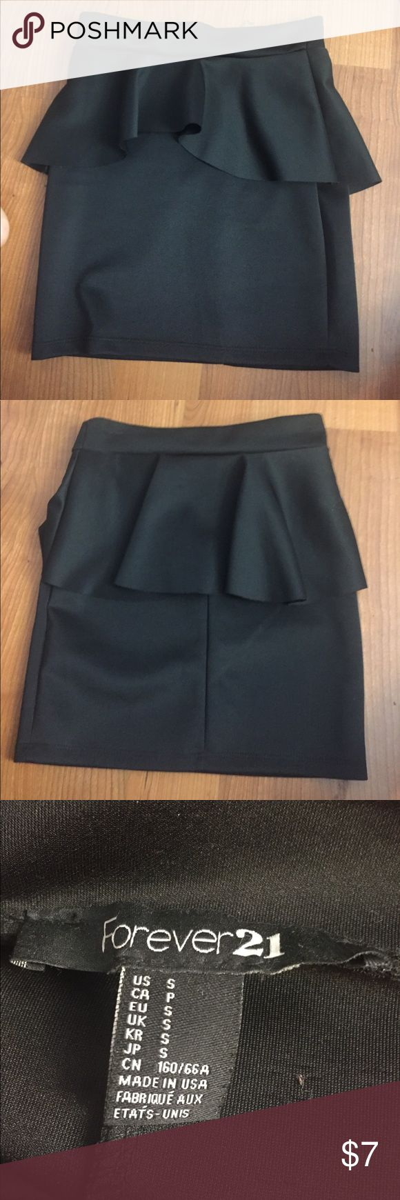 Bodycon peplum skirt NWOT F21 black peplum skirt. Pencil fit, very flattering! Forever 21 Skirts Pencil