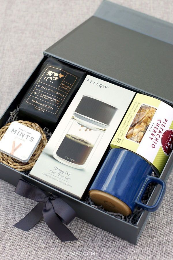 How to put together employee recognition gifts for holidays, Christmas, incentives and retirement. | #pumeli #employeegifts #incentives #retirementgifts ...