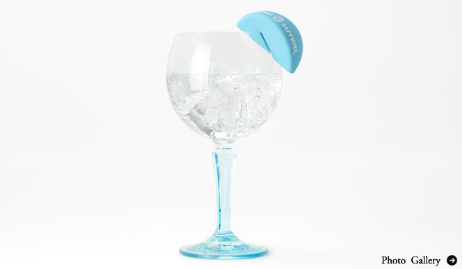 "the helpful and highly-modernized and cutely-designed cocktail-making tools are coming!!! that is what enable cocktail lover to make their lime-using cocktail keeping their hands clean!!! from the wonderful corroboration between nendo and Bombay Sapphire EAT|佐藤オオキ氏率いるnendoとボンベイ・サファイアがコラボ! 手を汚さずライムが絞れる""カクテルツール""誕生 