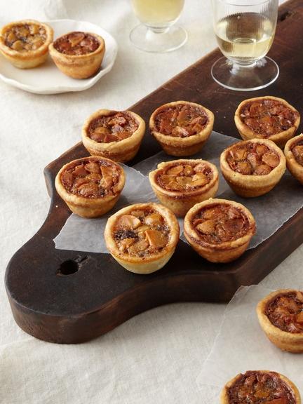 Chocolate Macadamia Nut Tartlets | FOOD! | Pinterest