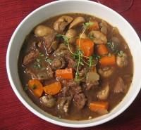 Paleo Slow Cooker Beef Stew Ingredients  450gm beef stewing meat, cut in chunks 1 cup onion, sliced 1 cup button mushrooms 1 carrot, sliced 3 cups beef broth 1 tsp salt 2 tsp rosemary 2