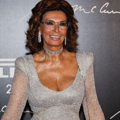 Rio De Janeiro, 27 November 2012.  Sophia Loren, godmather of the 40th Pirelli calendar launch, wears a Belle Epoque chocker with earrings in white gold and diamonds.