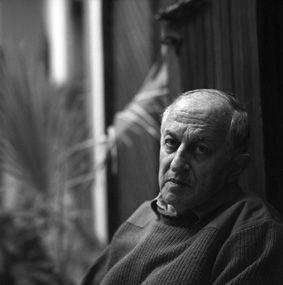 JUAN GOYTISOLO GAY (Barcelona, 1931). Novelista español. Foto cedida por el IC Tánger, realizada por Ali Chraibi. Biobibliografía: http://www.cervantes.es/bibliotecas_documentacion_espanol/biografias/tanger_juan_goytisolo.htm; Biblioteca: http://tanger.cervantes.es/es/biblioteca_espanol/biblioteca_espanol.htm