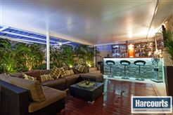 Perfect outdoor #entertainmentarea  To view more of this property check out www.RegalGateway.com #bar #backyarddecor  #entertaining #harcourts #realestate