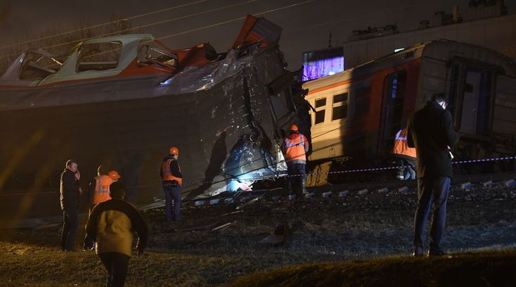 Several dozen people have reportedly been injured and at least 16 hospitalized after a train going from Moscow to Brest collided with a commuter train. The emergency brakes of the commuter train are said to have malfunctioned after an urgent halt to save a man on the tracks.
