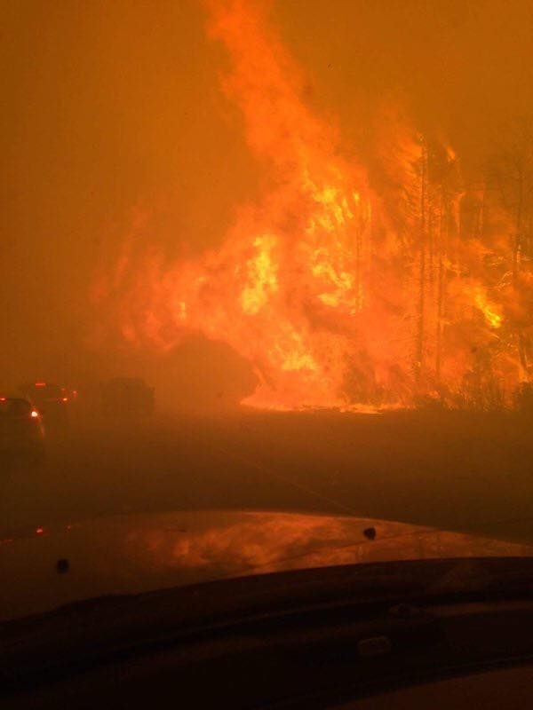 """AllHits 86.6 on Twitter: """"Please help those in #FortMcMurray who need us. Text REDCROSS to 30333 to donate $5. #FortMacFire #ymmfire https://t.co/GyhOx9xNIB"""""""