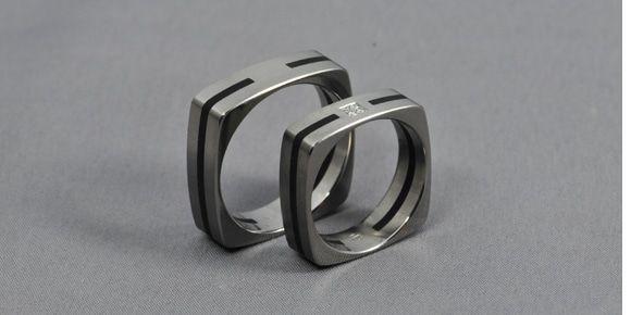 Ebony Arc – Titanium, Ebony, Diamond - wedding ring, engagement ring / Titán, Ében, Gyémánt – karikagyűrű, jegygyűrű