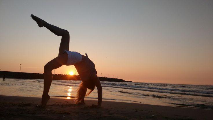 #backbend #beach #joga #jogainspiration #shorts #sun #sunset #girl #view #beautifulview #poland