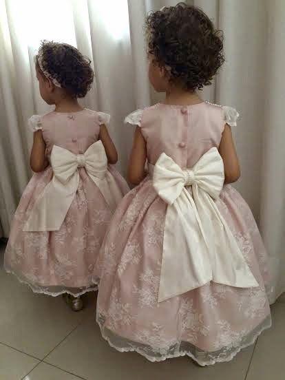 Atelier ly.ko: ly.ko fez: Vestidos de daminhas para as gêmeas Maria Eduarda e Ana Clara, para a noiva Mariana!!!!!