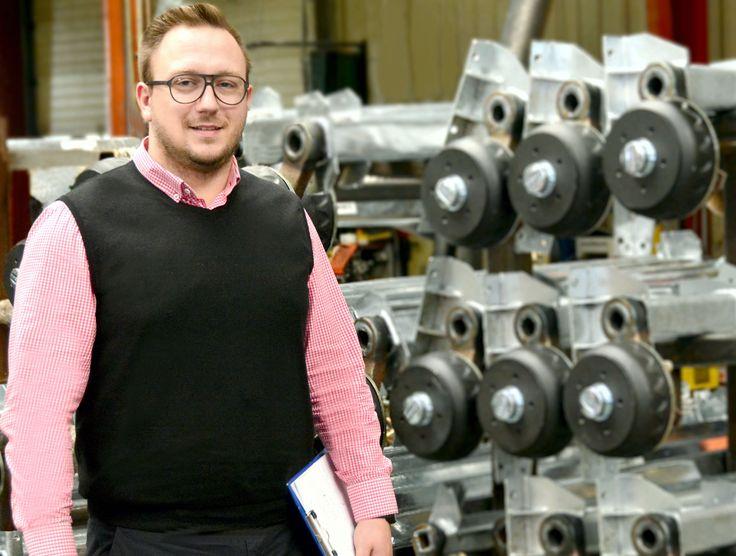 Wzmacniamy nasze kadry. Pan Piotr jest nowym zastępcą kierownika produkcji. Jego wiedza i doświadczenie to gwarancja efektywnego zarządzania produkcją.