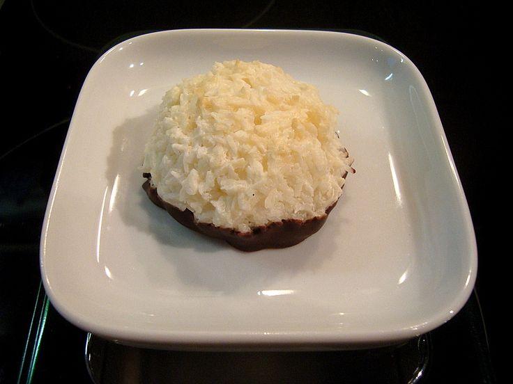 die besten 25 kokosmakronen rezept ideen auf pinterest kokosmakronen kokosmakronen backen. Black Bedroom Furniture Sets. Home Design Ideas