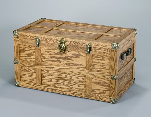 Build a Steamer Trunk with Minwax